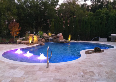 Rounded-Pool-with-Lights